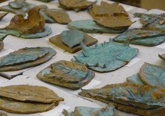 中1美術「彫塑・葉のレリーフ」
