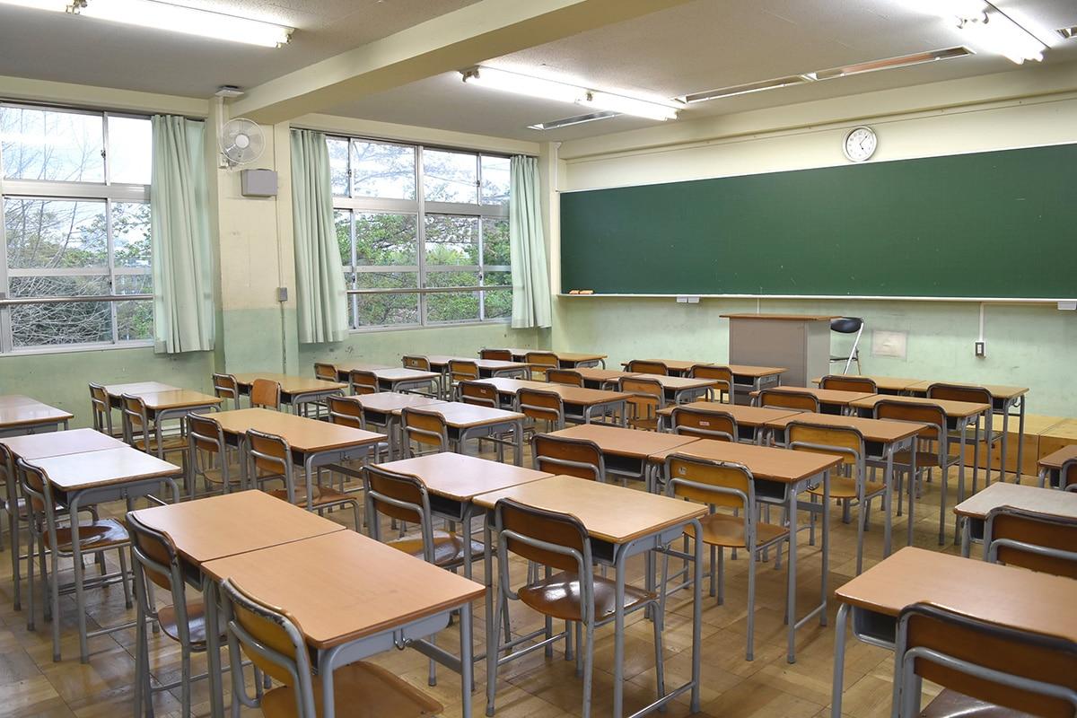 中学HR棟(教室)
